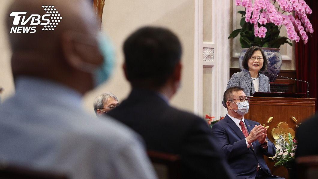 總統蔡英文今天接見電器商業同業公會全國聯合會。(圖/中央社) 蔡總統接見電器公會全聯會 讚能源轉型重要功臣