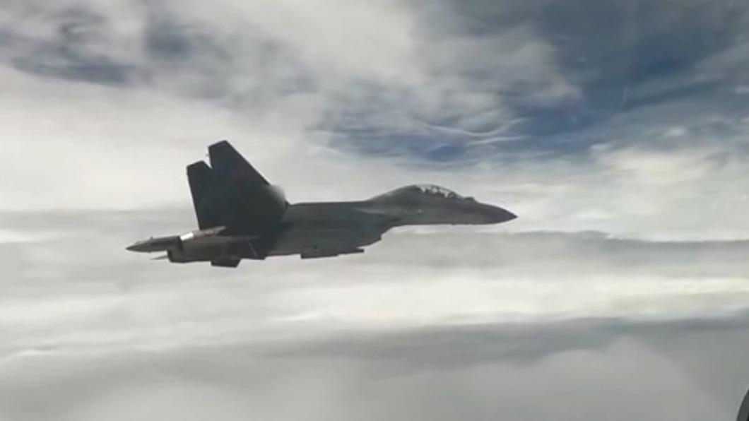 曾一次12架擾台! 陸釋出殲-16多機對抗畫面