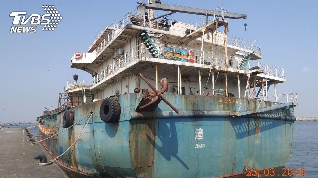 圖為豐溢9969號抽砂船。(圖/中央社) 2陸籍抽砂船3拍流標 蔡碧仲:不排除沒入當靶船