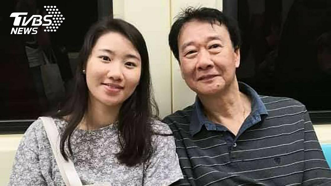 曾慶暉的女兒(左)在首爾遭酒駕駕駛闖紅燈撞死。(圖/中央社) 愛女在韓國遭酒駕撞死 父母悲求青瓦台連署重罰