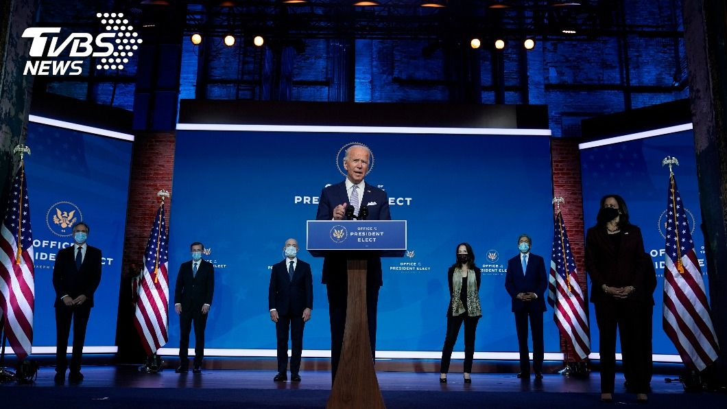 拜登介紹他的外交和國家安全團隊。(圖/達志影像美聯社) 拜登介紹外交國安團隊 誓言美國將再度領導世界