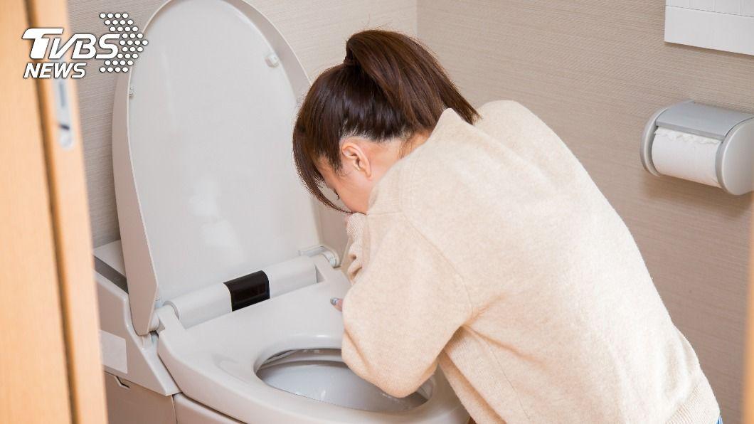 腸胃炎除了能吃稀飯與白吐司外,還能吃其他「4食物」讓自己快痊癒。(示意圖/shutterstock達志影像) 腸胃炎只能吃白吐司、稀飯? 「4食物」打破迷思可止瀉