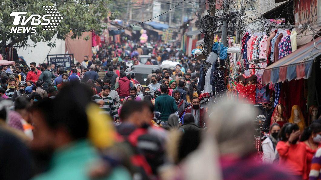 印度部分省市疫情惡化。(圖/達志影像美聯社) 印度新方針 地方政府實施宵禁抗疫先徵詢中央