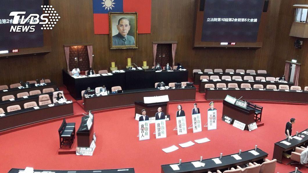 (圖/中央社) 藍委續杯葛施政報告 政院:不要阻擋國人知的權利