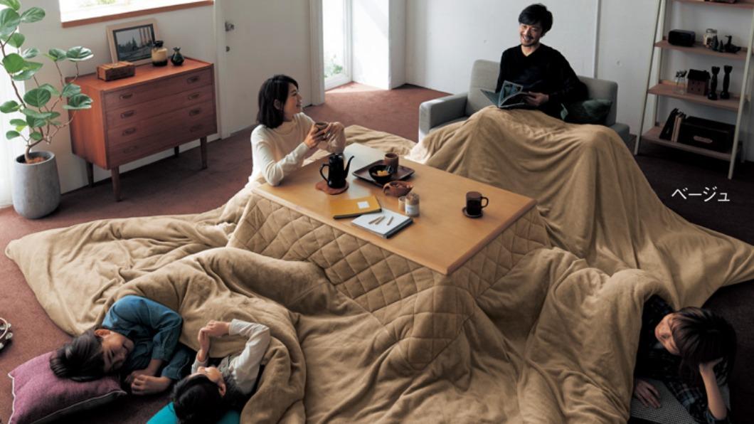 圖/翻攝自bellemaison.jp官方網站 日式暖桌有進化版! 棉被巨無霸八人都塞得下