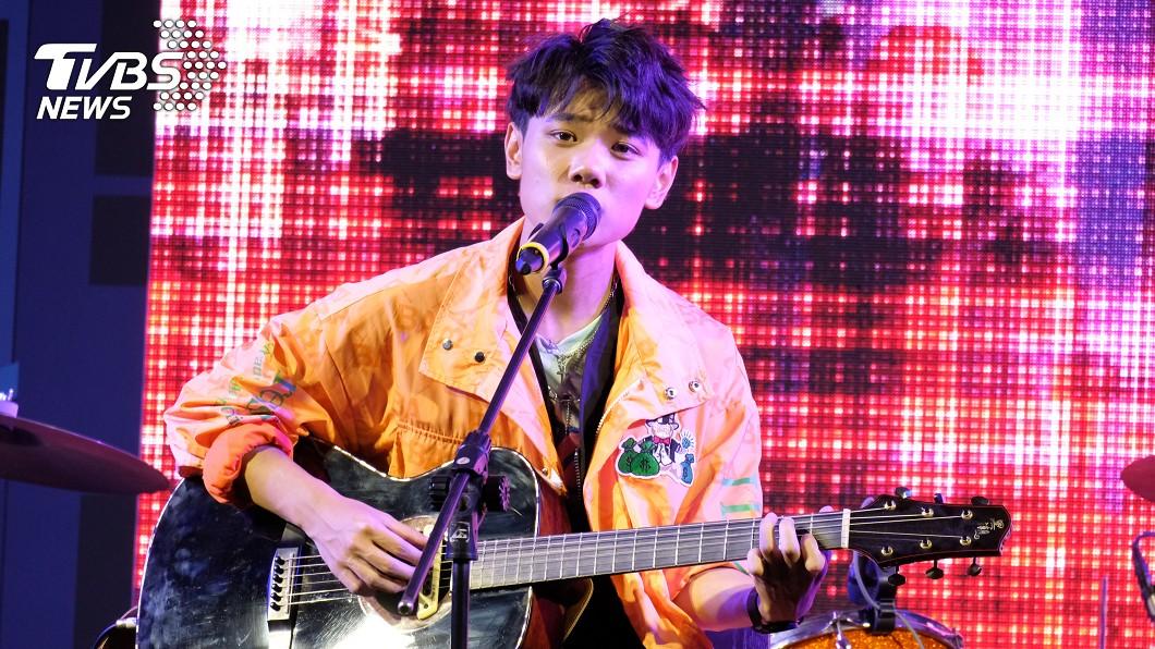 呂學翰溫柔的嗓音和暖男形象,被觀眾封為「寵物男孩」。(圖/TVBS) 新星呂學翰飆金馬神曲 鐵粉暖讚「寵物男孩」敲碗新專輯