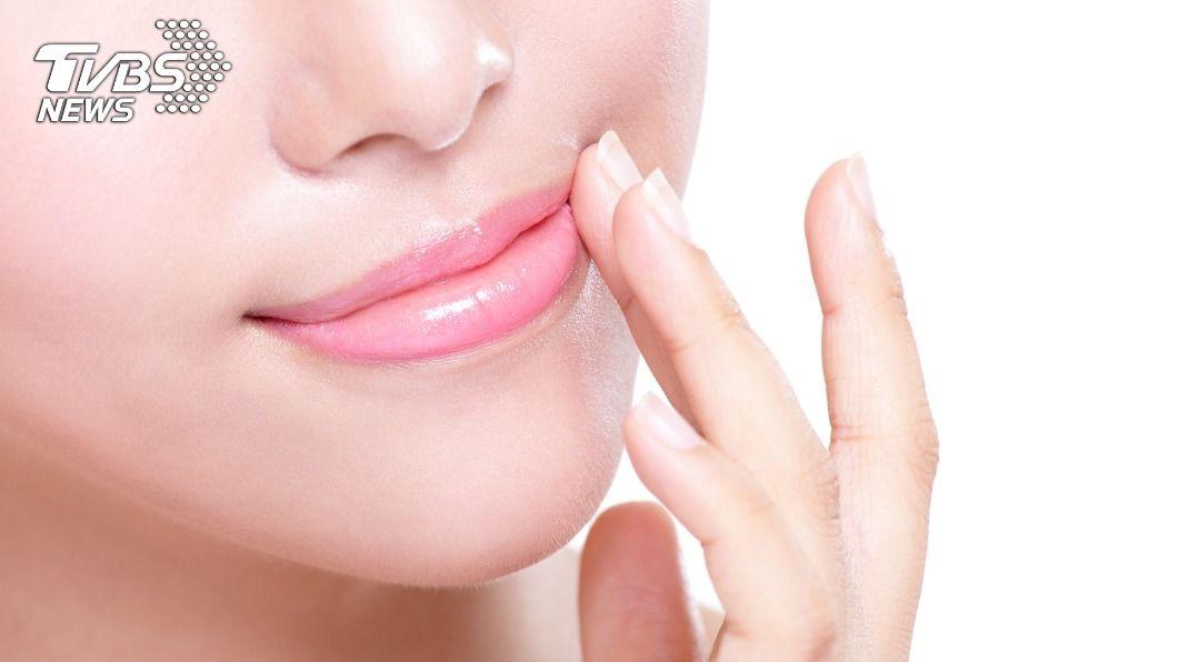 不同的唇色可看出身體健康狀態。(示意圖/shutterstock達志影像) 看懂「5唇色」知健康 嘴唇發黃當心是肝臟出問題