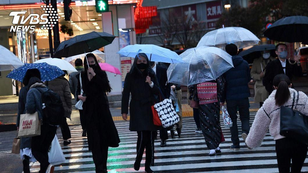 日本境內新冠疫情持續升溫。(圖/達志影像美聯社) 東京新增500例創週三紀錄 鳥取連2天有醫學生染疫