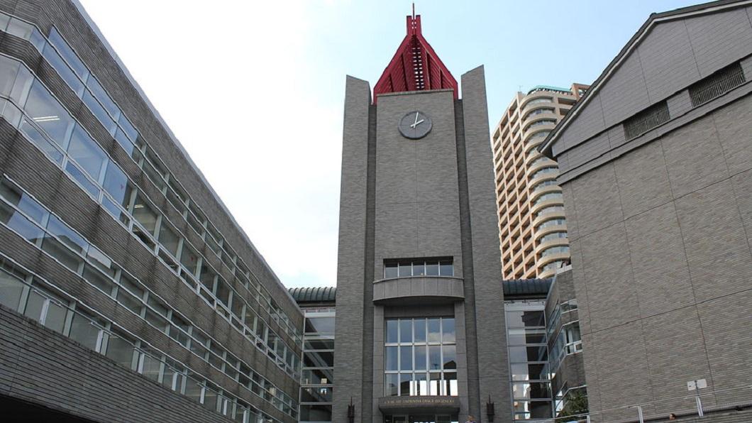 早稻田大學是日本知名的一流名校。(圖/翻攝自維基百科) 畢業於名校早稻田大學 男被上司歧視譏笑「沒聽過這間」