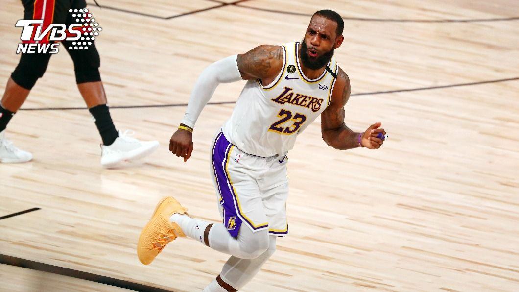 NBA湖人球星詹姆斯。(圖/達志影像路透社) NBA詹姆斯與湖人續約 兩年8500萬美元