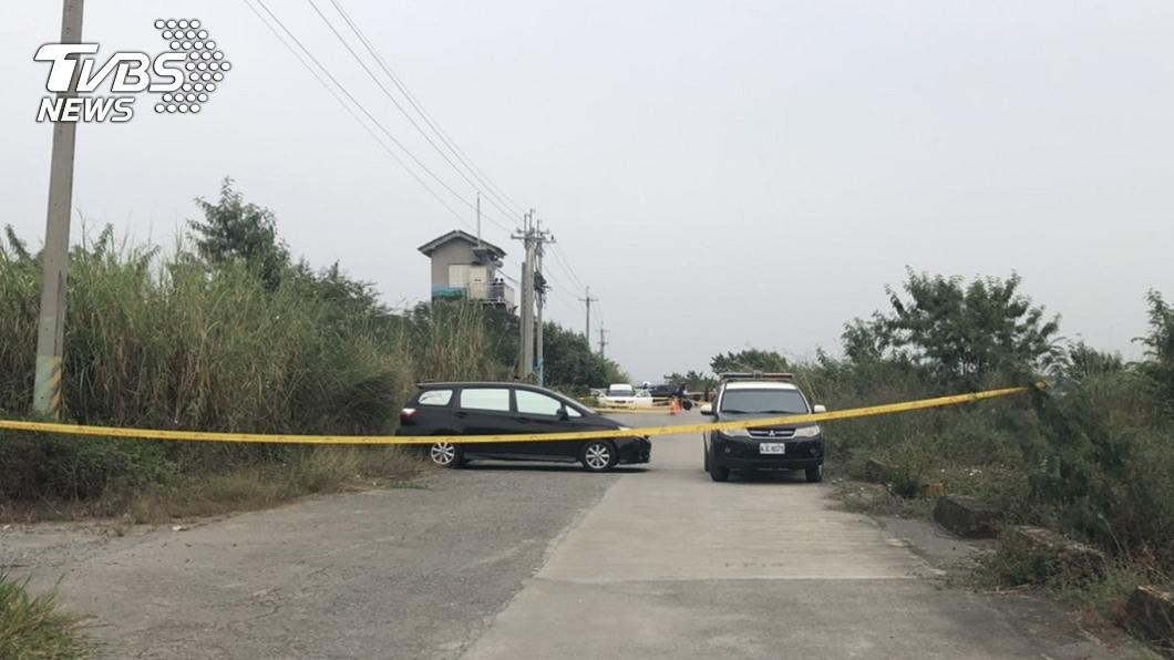 (圖/TVBS) 高雄路邊車內驚見「4屍體」嚇壞報警 一家四口亡