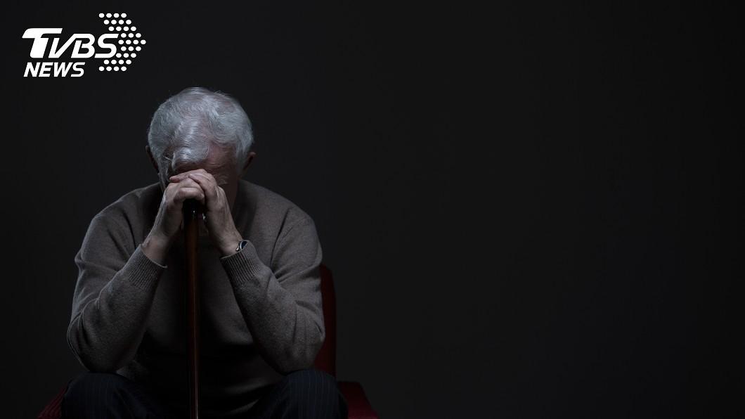示意圖/shutterstock/達志影像 悶殺臥床30年中風妻 6旬翁淚憶「最愛」:她太苦了