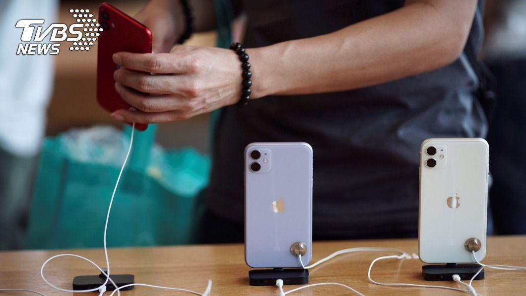 少部分iPhone 11有螢幕無法回應觸控的問題。(圖/達志影像路透社) 蘋果iPhone 11觸控出問題 免費提供維修