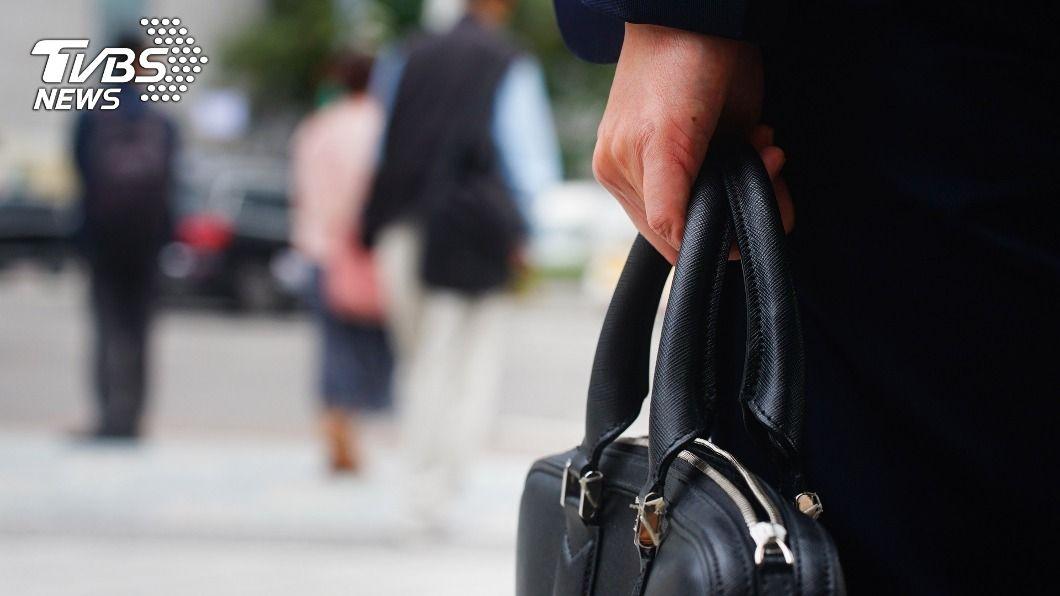 「待遇不符期望」占失業者比例高達46%。 薪資待遇不符期望 46%失業者不願屈就