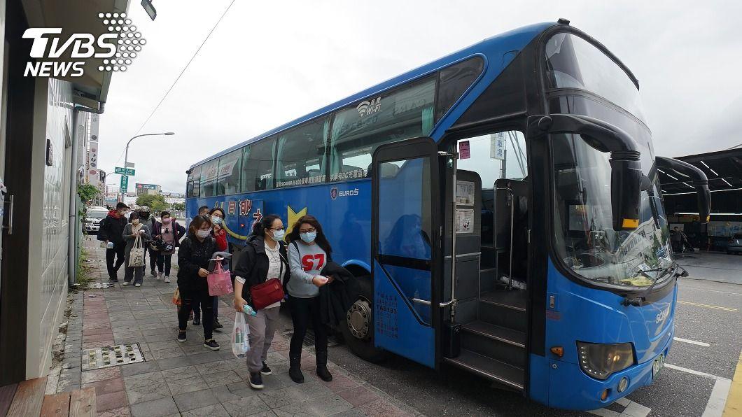 國道客運開行1527班次疏運東部往返旅客。(圖/中央社) 疏運東部往返旅客 國道客運開行1527班次