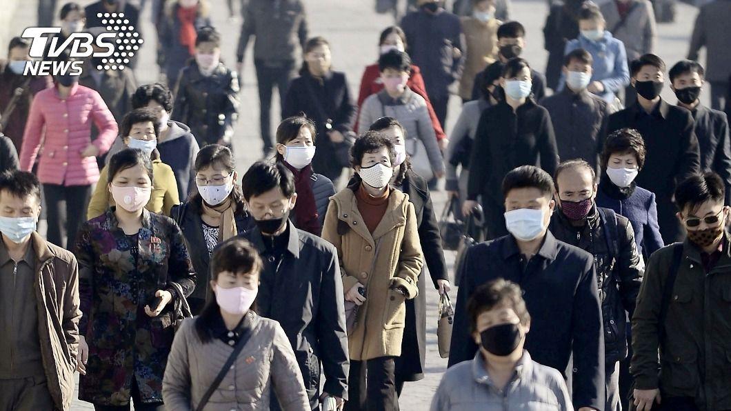 圖/達志影像路透社 南韓三波大流行升溫 首爾破天荒實施宵禁