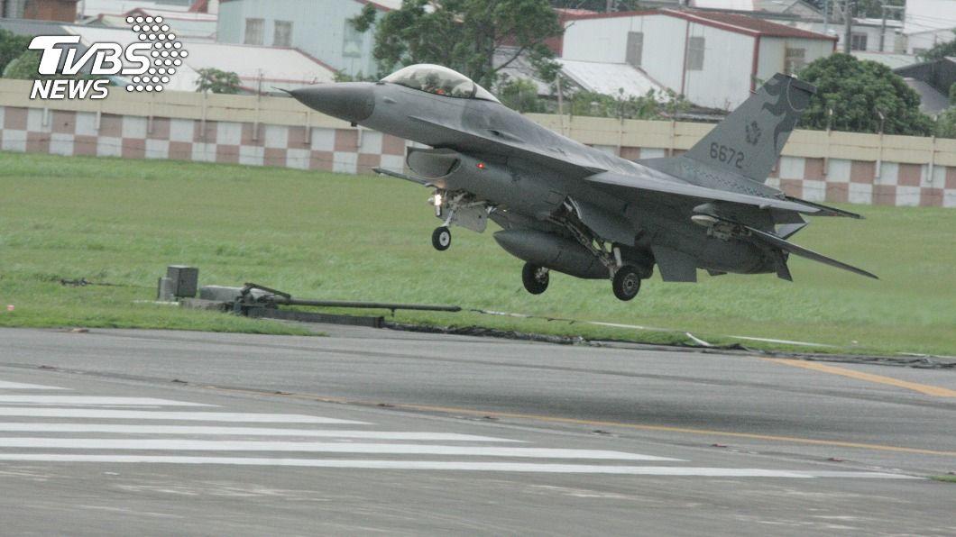 空軍將現有F-16A/B構改F-16V。(圖/中央社) F-16A/B升級落後 空軍:後續年度將補足數量