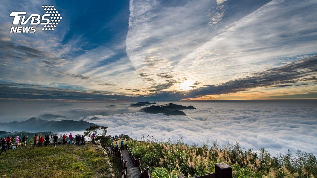 「二延平步道」是阿里山公路最佳的觀賞雲瀑地點。(圖/中央社) 阿里山美景驚豔外媒記者 嘉義縣推薦4條遊賞步道