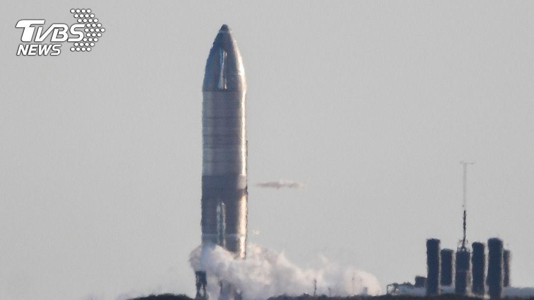 美國太空探索科技公司今(9)日首次進行重要的高空試飛。(圖/達志影像路透社) 發射前1秒 SpaceX「星艦」首次高空試飛急喊卡