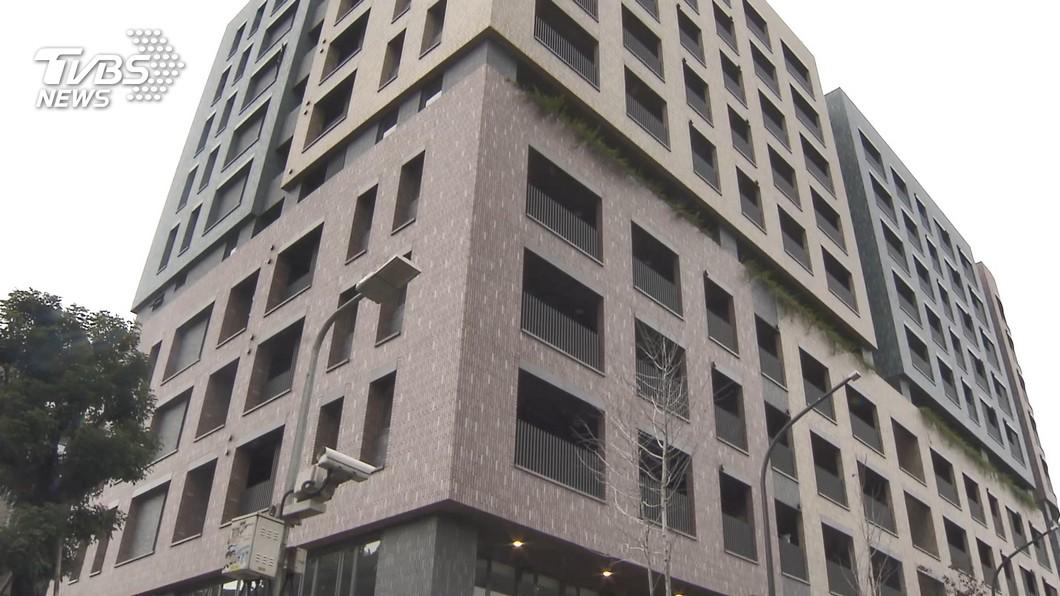 北市明倫社宅租金過高挨批。(圖/TVBS) 明倫社宅陽台逾5坪部分免租金 3房型最多降3200元