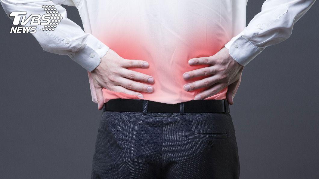 平時透過按摩耳朵可以強腎健體。(示意圖/shutterstock達志影像) 當心身體5警訊 按摩「1部位」益腎補氣防衰竭
