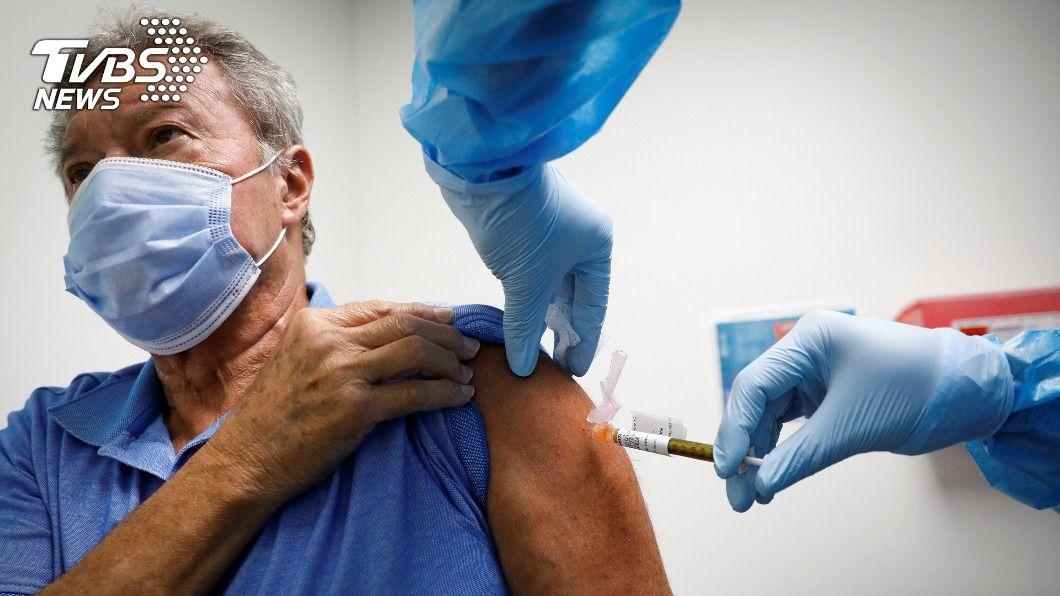 賽諾菲和葛蘭素史克疫苗因老人免疫反應不足,明年底前恐無法推出。(圖/達志影像路透社) 全球逾158萬人染疫亡 新冠肺炎全球最新情報
