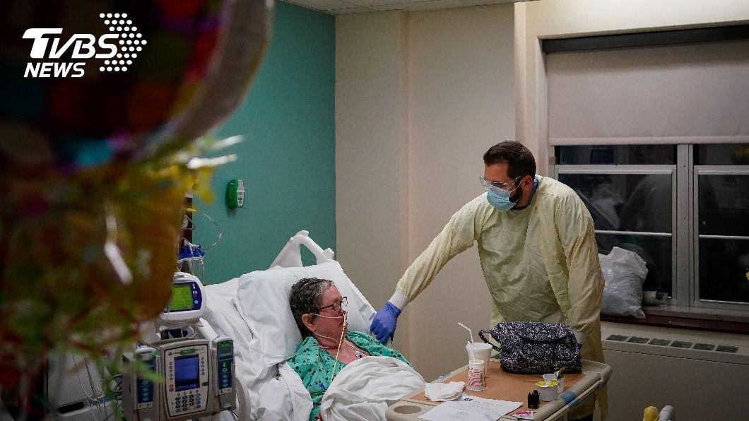 美國已超過3萬人死於新冠肺炎。(圖/達志影像路透社) 美染疫死亡人數破3萬 確診病例總數逾1600萬