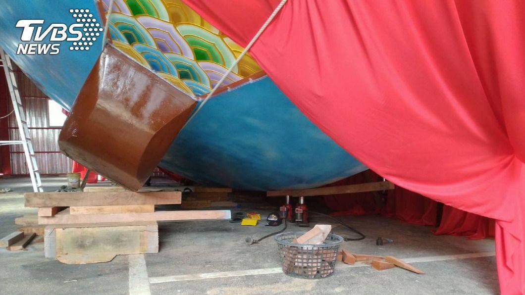 林姓男子在移動王船時意外被壓斃。(圖/TVBS) 疑移動王船不慎1人被壓斃 勞檢要究責