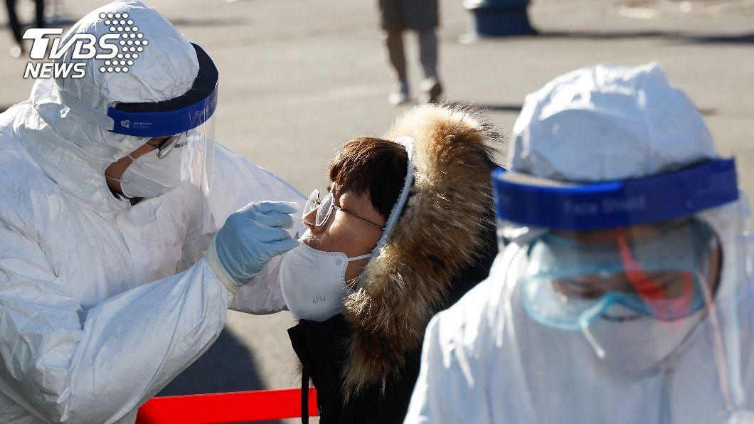 韓國新增880例確診。(圖/達志影像路透社) 韓國新增880例新冠確診 重症及死亡人數大增