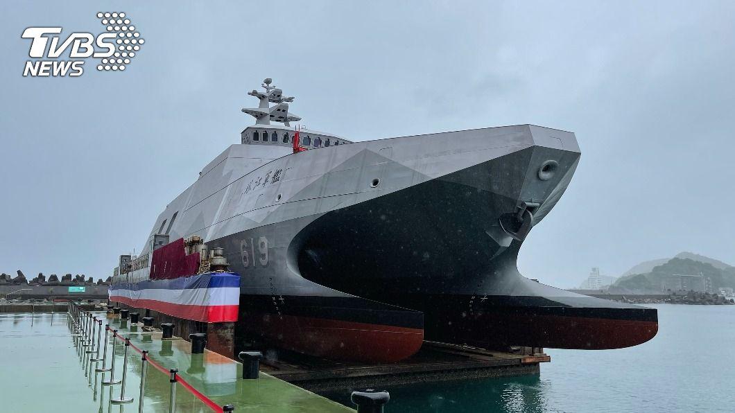 海軍首艘沱江級飛彈巡邏艦下水。(圖/中央社) 沱江級艦搭雄風及海劍二飛彈 112年前再造2艘