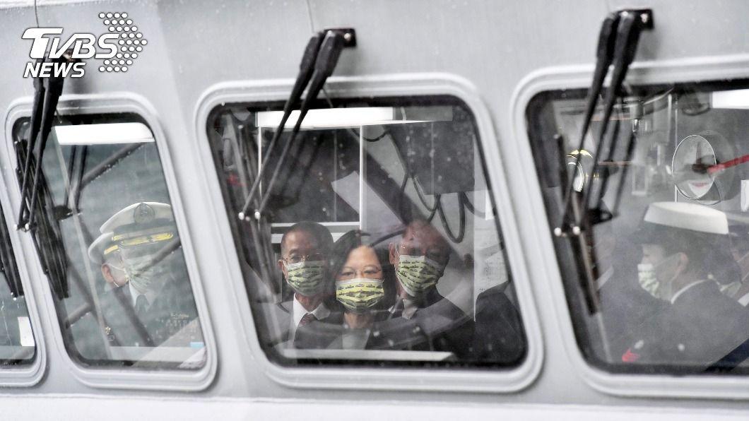 海軍首艘沱江級艦今下水,總統蔡英文命名「塔江艦」。(圖/中央社) 首艘沱江級飛彈巡邏艦下水 蔡總統命名「塔江軍艦」