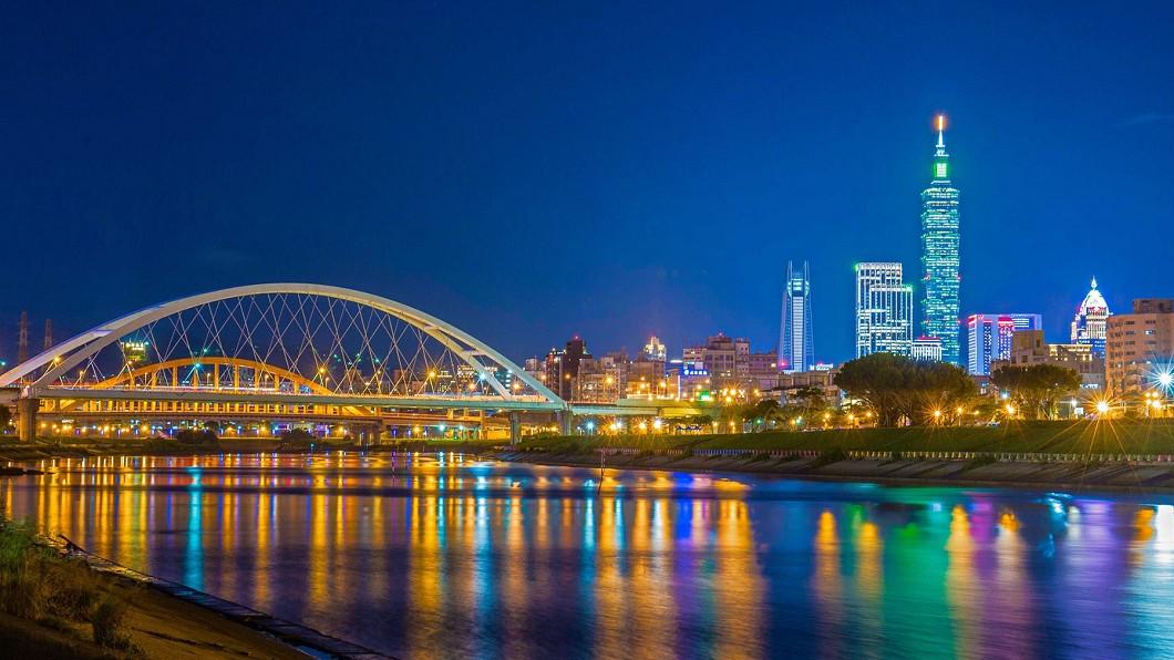 彩虹河濱公園適合觀看台北101跨年煙火。(圖/翻攝自台北旅遊網臉書) 揮別2020!遠眺台北101跨年煙火 10大秘境出爐