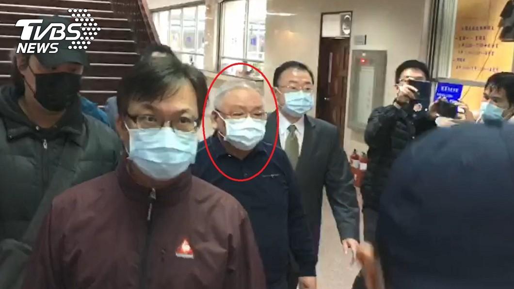 練台生17日現身台北地院。(圖/TVBS) 錢櫃大火6死 練台生8千萬和解「不認罪」再遭限制出境