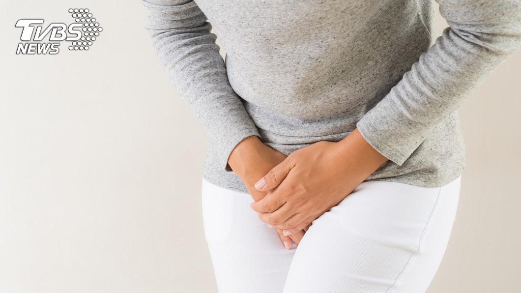 (示意圖/shutterstock達志影像) 20歲女下面冒膿包「扭動秒爆裂」 醫護慘被噴全身