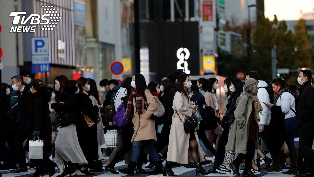 東京都今天新增664例確診病例。(圖/達志影像路透社) 日本東京染疫人數破5萬例 僅花20天新增1萬例