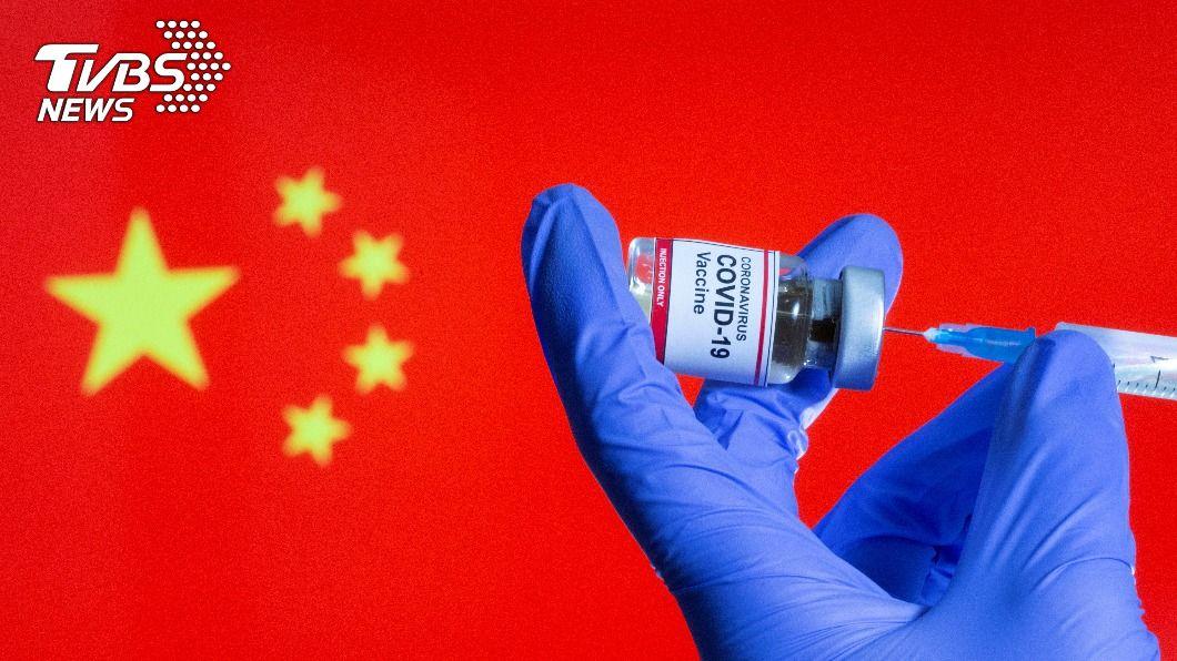 中國衛健委員會表示,冬季到明年春季將對重點人群施打新冠疫苗。(圖/達志影像路透社) 冬季到明年春季 大陸衛健委:重點人群施打新冠疫苗