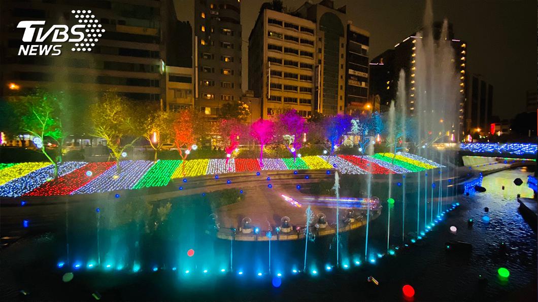 2020台中耶誕點燈由TVBS承辦,首周吸客23萬人。(圖/TVBS) 新北歡樂耶誕城強力吸客機!城市行銷最佳推手 TVBS的成功方程式