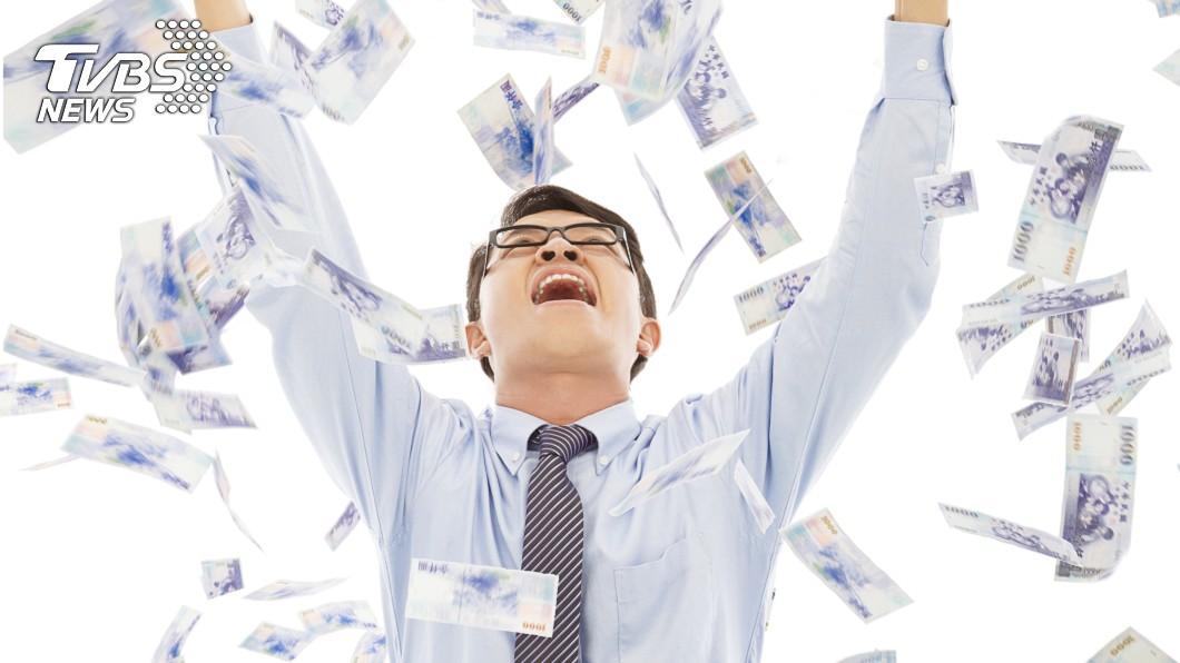 3生肖的民眾,這3天有機會天降橫財。(示意圖/Shutterstock達志影像) 財神爺駕到!今起3天「3生肖」發橫財 賺進第1桶金
