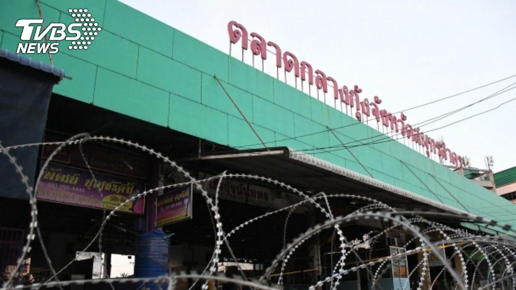 泰國海鮮市場爆發群聚感染。(圖/中央社) 泰國暴增逾千例確診 政府嚴查非法移工入境網絡