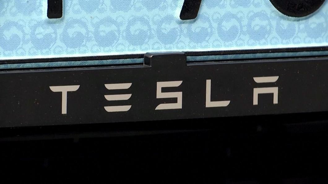 馬斯克質疑蘋果車傳聞 稱單體電池不可行