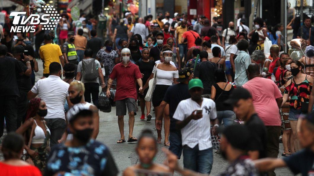 巴西新冠肺炎疫情惡化。(圖/達志影像路透社) 巴西新冠疫情惡化 聖保羅州採更嚴格防疫措施