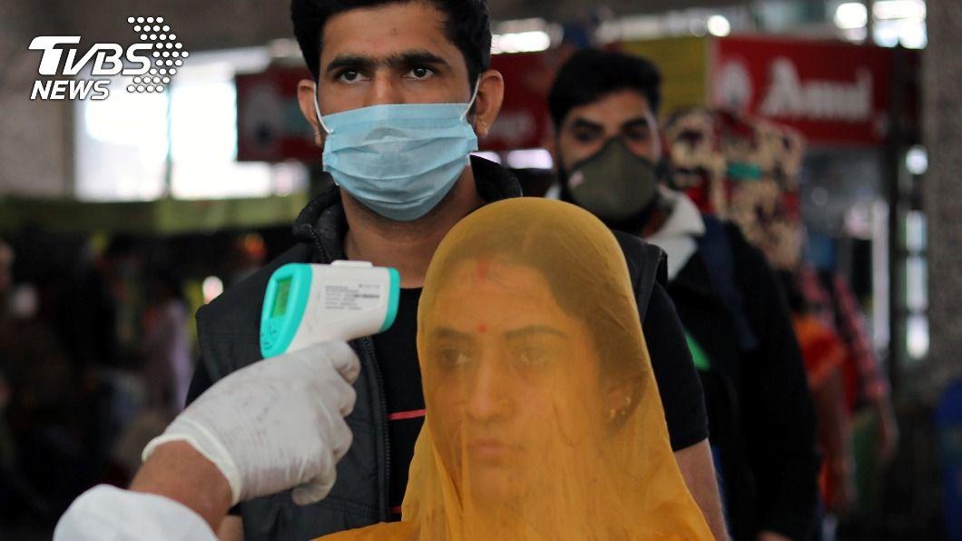 印度傳出伴隨新冠肺炎感染白黴菌病,恐失明或死亡。(示意圖/達志影像路透社) 印新冠患者伴罕病 感染2天內失明高死亡率