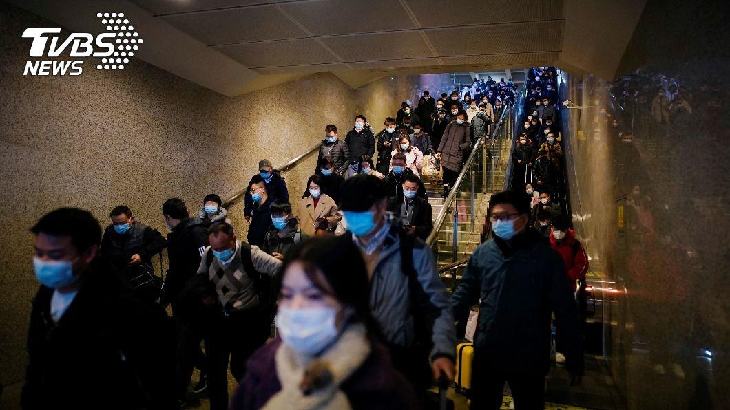 香港當局今(23 )日獲報,2名從英國返港留學生疑染上變種新冠病毒。(示意圖/達志影像路透社) 英「變種新冠病毒」疑傳入香港 2留學生確診