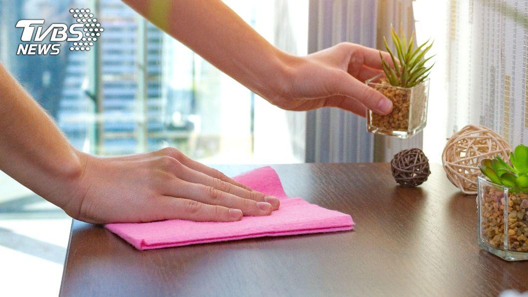 抹布應避免長期處於潮濕狀態。(示意圖/shutterstock 達志影像) 家庭主婦快看!廚房NG習慣大公開 別再用濕抹布擦桌子