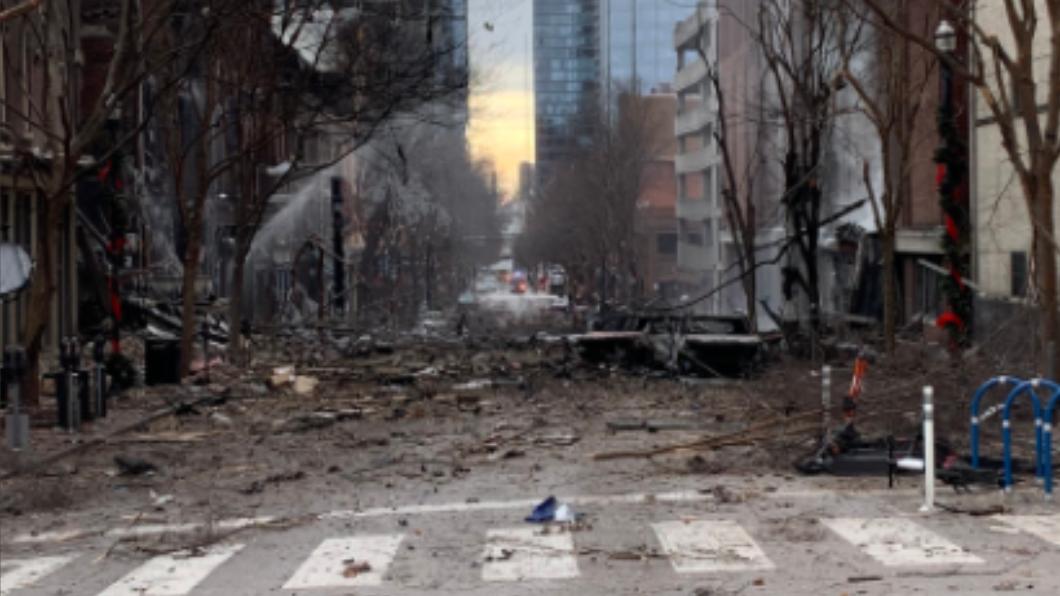 美國田納西州納希維爾市今(26)日清晨發生爆炸案。(圖/翻攝自納希維爾市消防局) 美耶誕爆炸案現場發現生物組織 疑為人體殘骸