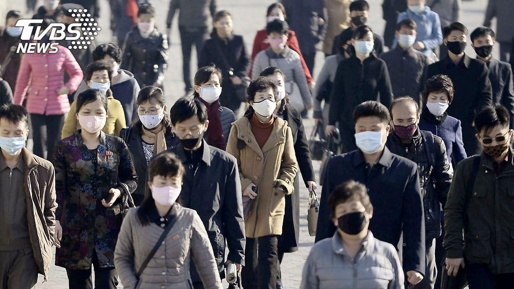韓國單日新增970例感染新冠病毒,其中1例自英國入境後死亡。(示意圖/達志影像路透社) 韓增英入境後死亡案例 政府急查是否為變種病毒