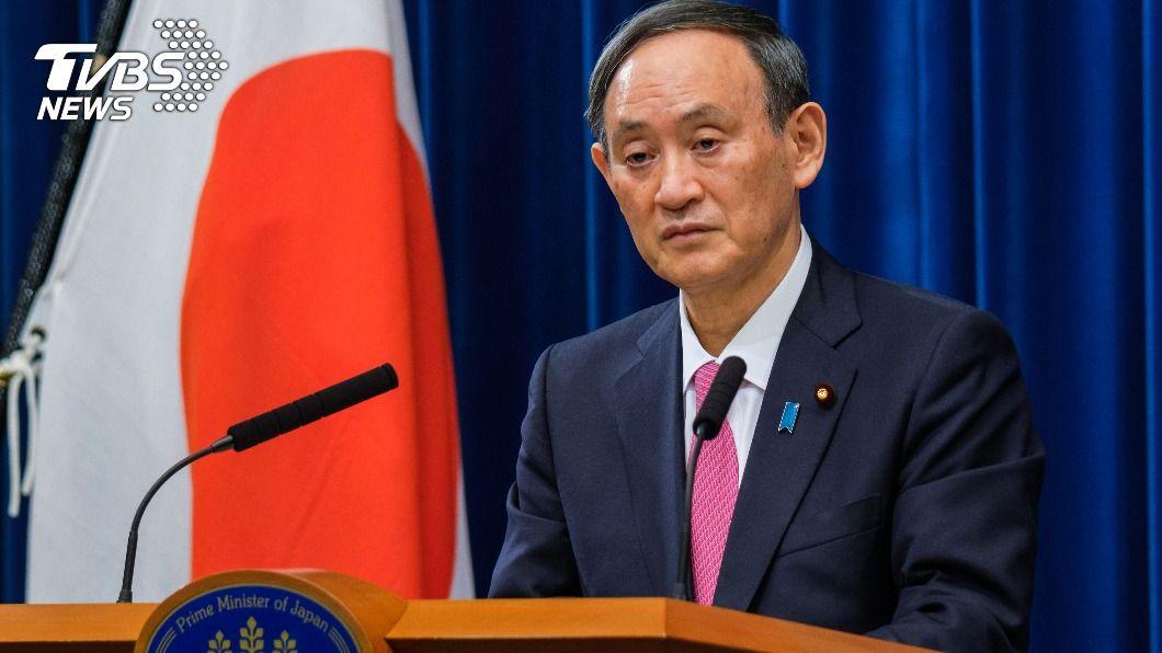 日本首相菅義偉表示,希望明年2月中旬能與美國總統當選人拜登舉行首度會談。(圖/達志影像路透社) 日相計畫2月會拜登 盼訪美舉行首度會談