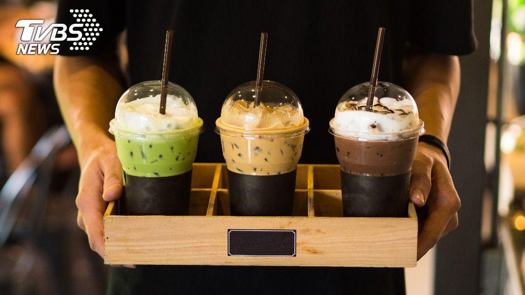 (示意圖/Shutterstock達志影像) 跨年喝爆!咖啡手搖限時優惠 1杯1元、買1送1通通有