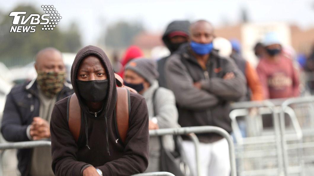 南非今天成為非洲第1個染疫人數破百萬的國家。(圖/達志影像路透社) 南非染疫人數破百萬 延長宵禁強制戴口罩禁賣酒
