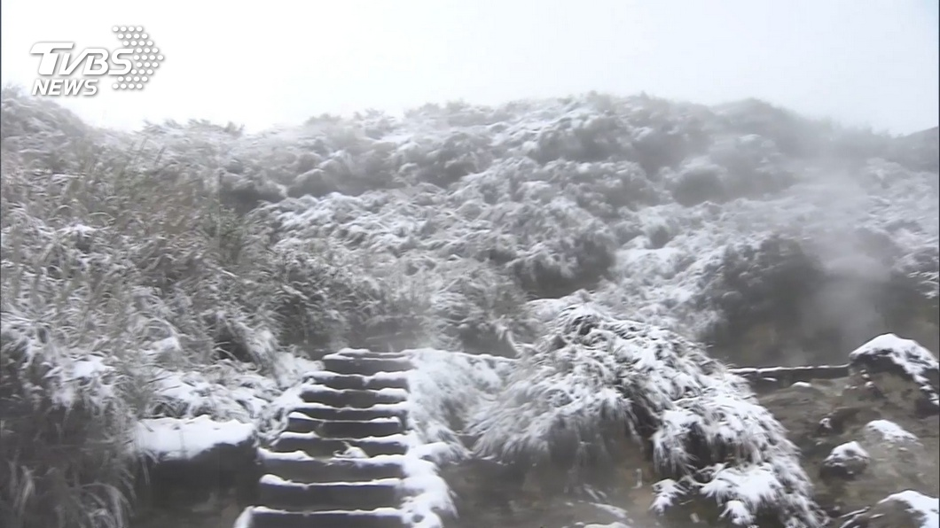圖/TVBS資料畫面 追雪「前哨」 冷水坑供熱茶湯、二子坪好上山